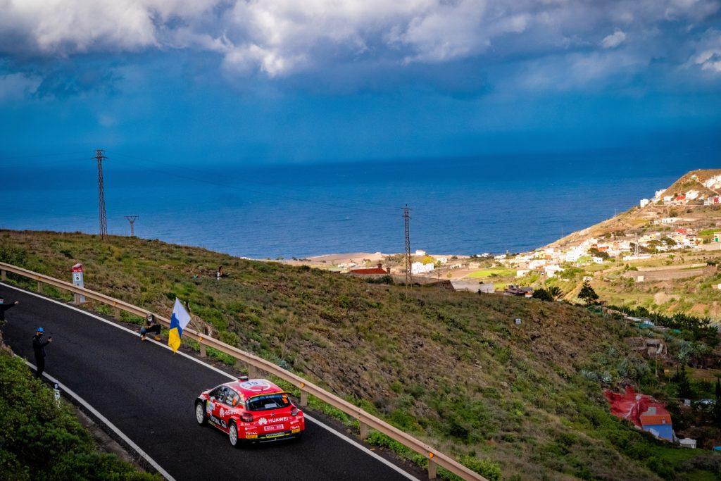 Citroën C5 R5 en plena jornada