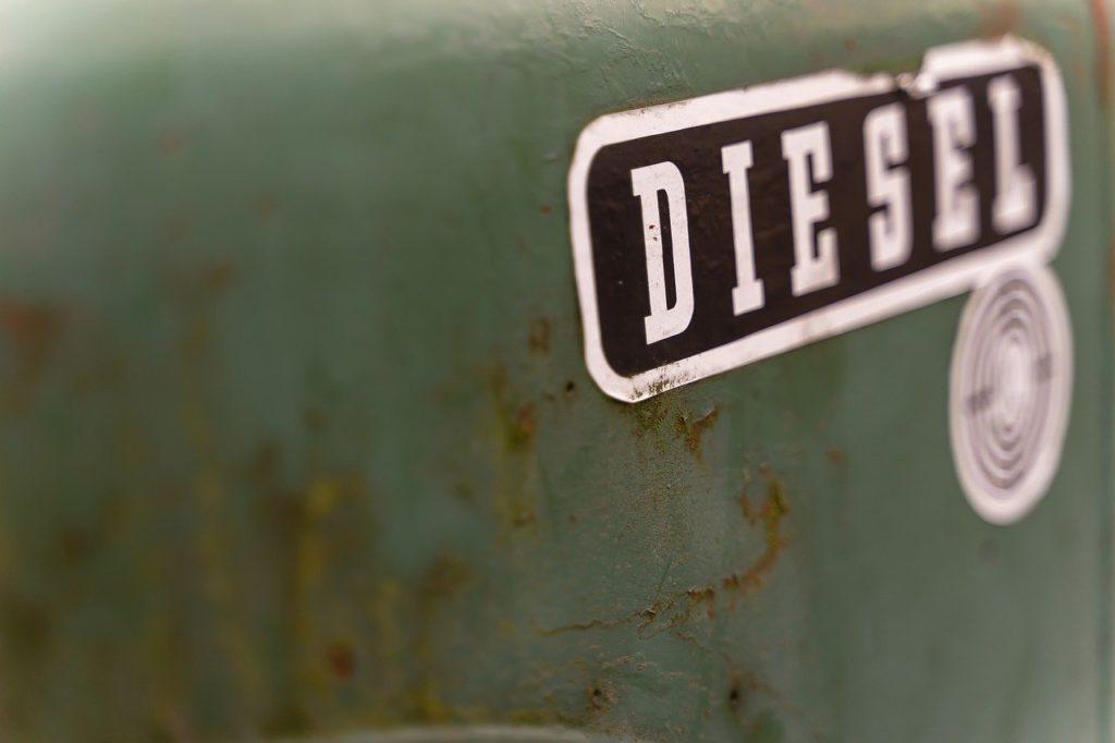 Foto detalle de un tanque de diésel